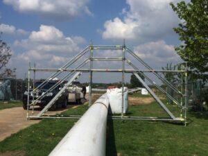 Overbrugging gasleiding met trappentoren Werfix - Denys Fluxys Machelen