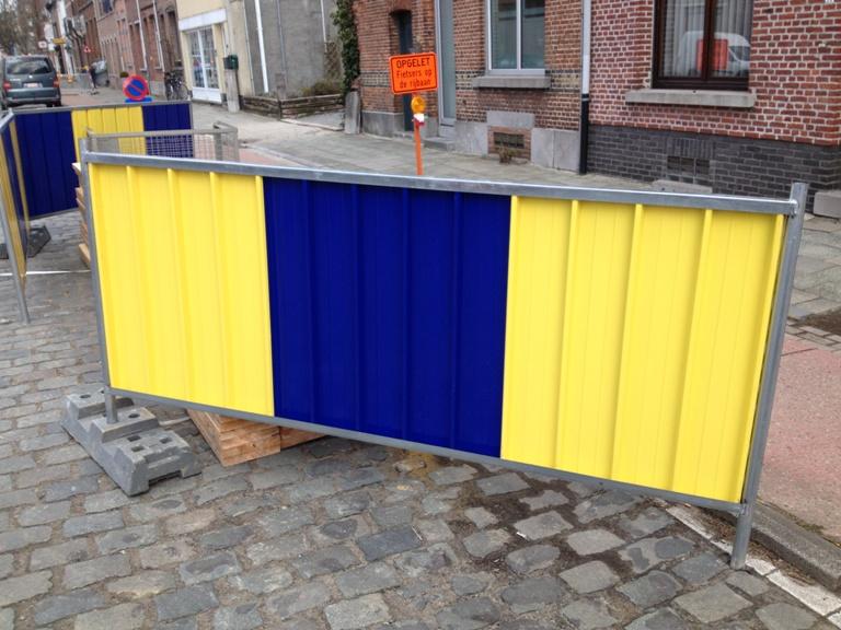 Stadshekken geel-blauw-rood werfhekken
